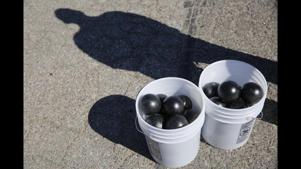 la-me-water-balls-pictures-20150812-006