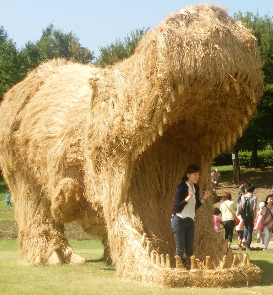 Gigantic Straw Dinosaurs Are Invading Japanese Fields