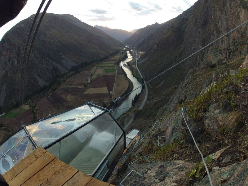 1200 ft High Floating Nest in Peru