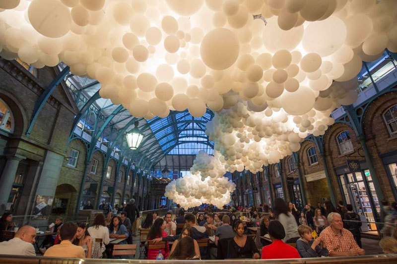 100,000 Balloon 'Cloud' Installed Inside London's Covent Garden