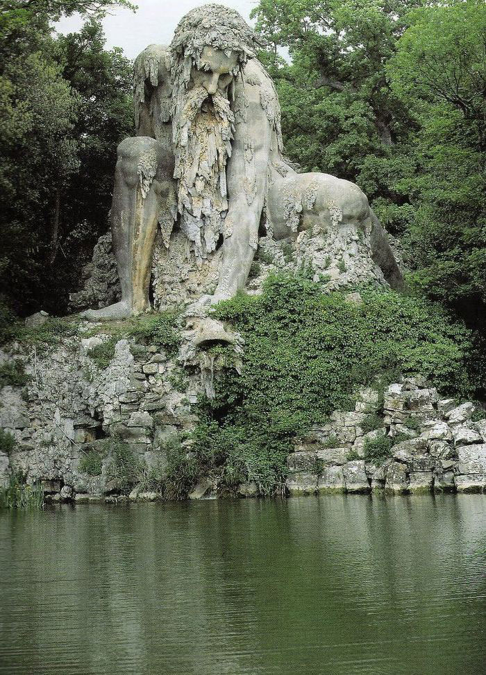 Giant 16th-Century 'Colossus' Sculpture Has Hidden Rooms Inside