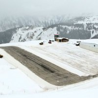 Video Of Plane Taking Off from This Weird Runway in the French Alps