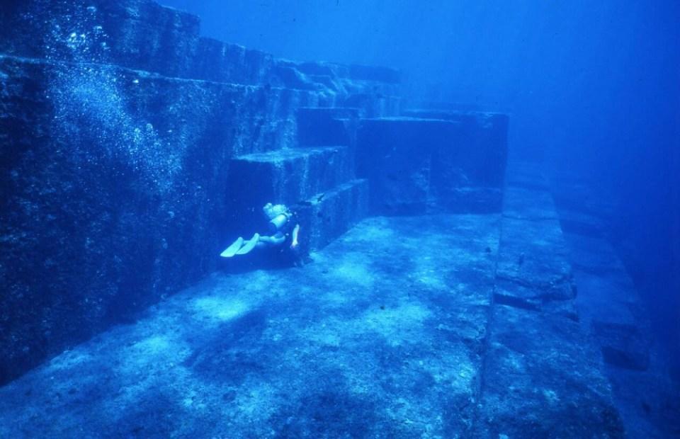 The Underwater City of Yonaguni, Japan