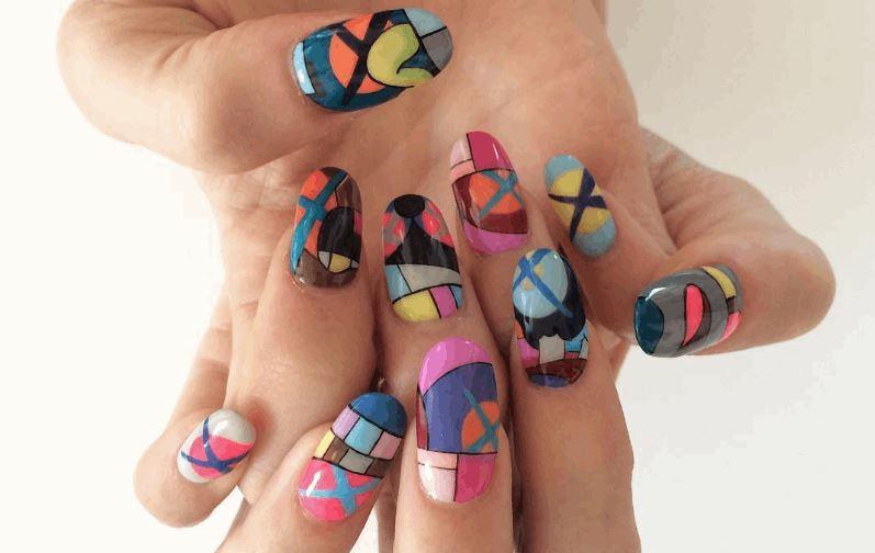 Modern Art Paintings On Fingernails