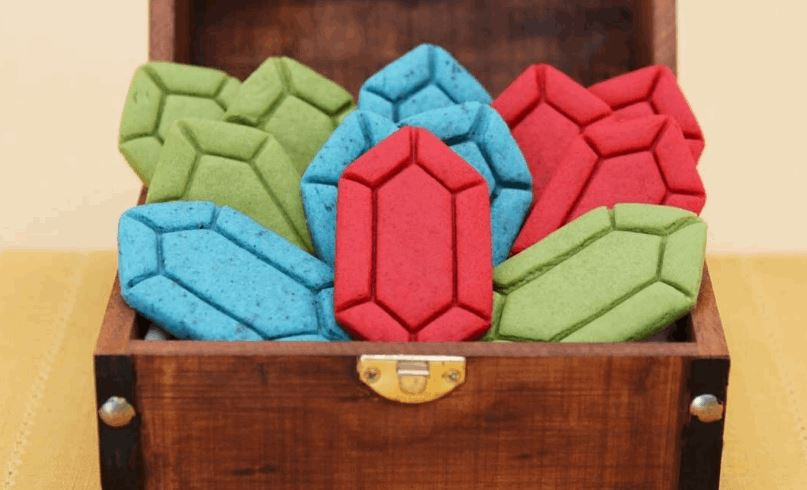 How to Make Beautiful and Colorful Legend of Zelda Rupee Sugar Cookies