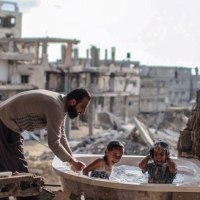Photographer Shows The Brave Spirit of Kids in War Torn Countries