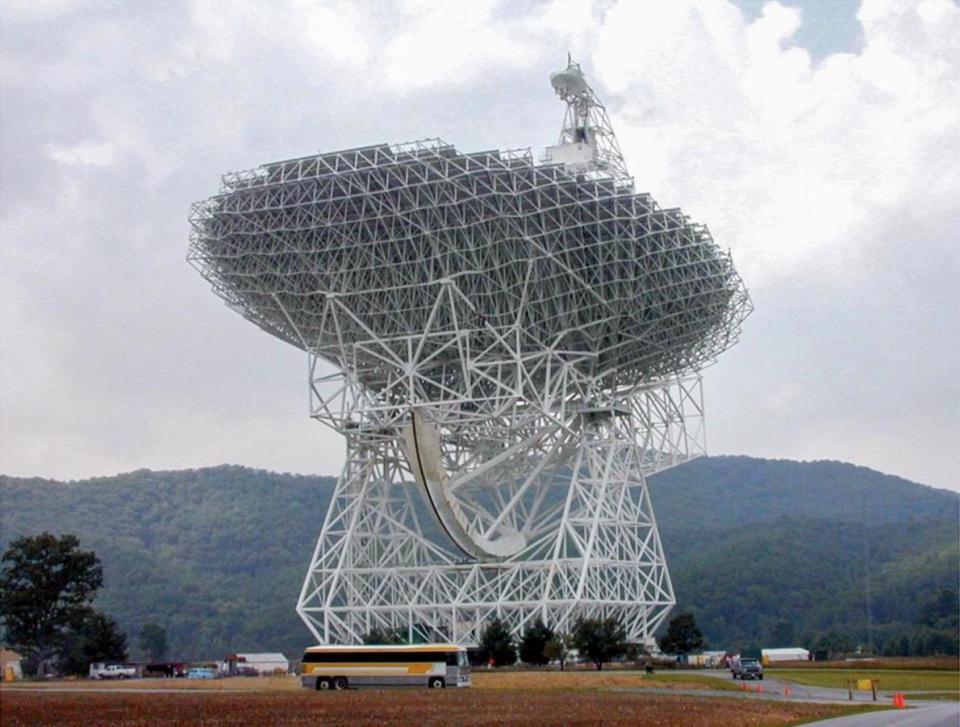 green-bank-telescope.adapt.1190.1