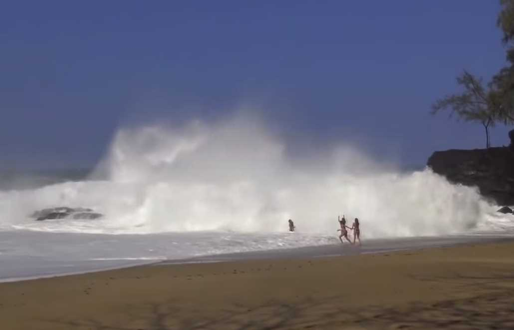 10 Giant Waves Caught on Camera