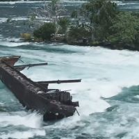 100 Years Old Shipwreck On Top of Niagara Falls Breaks Free, Moving Closer To The Edge