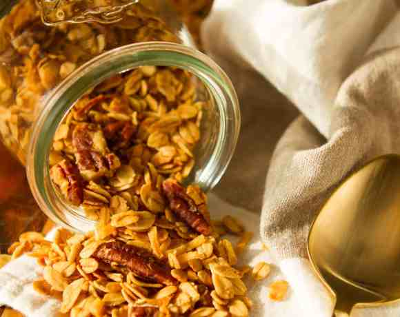 Homemade Granola Recipe | Buttery Honey-Pecan Coconut Granola