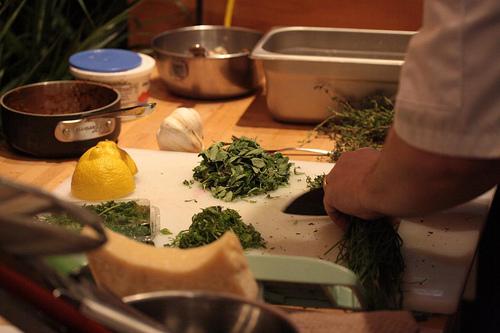 Mincing & chiffonading herbs