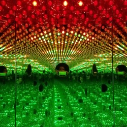 Yayoi Kusama's Hallucinatory Infinity Mirrors Rooms Return to NYC