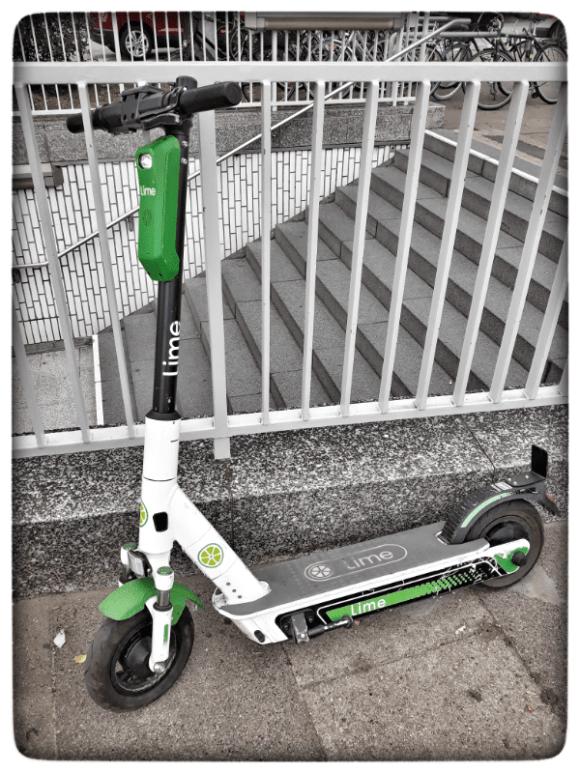 ein elektro-scooter Elektroroller von Lime e-scooter