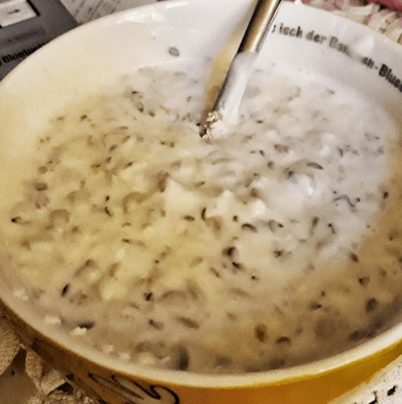 Muesli mit geschrotetem Leinsamen gesundes Frühstück