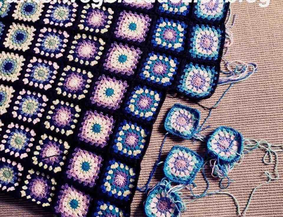 Eine Decke aus Granny-Squares