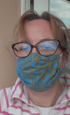 genähte Mund-Nase-Maske aus Bettwäsche