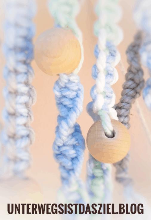 Makramee – mit bunten Knoten den Balkon dekorieren