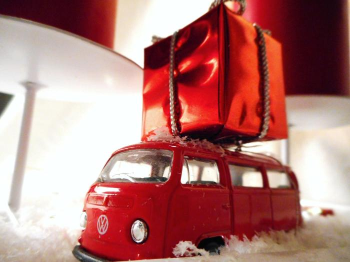 driving home for christmas ein adventskranz mit bullis. Black Bedroom Furniture Sets. Home Design Ideas