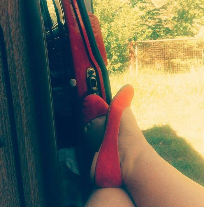 Bulli rote Schuhe