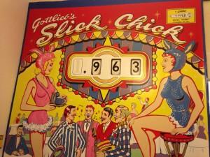 An old pinball machine