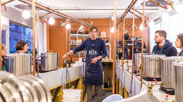 Prêt à brasser votre propre bière de Noël ? Crédits : Beer Fabrique
