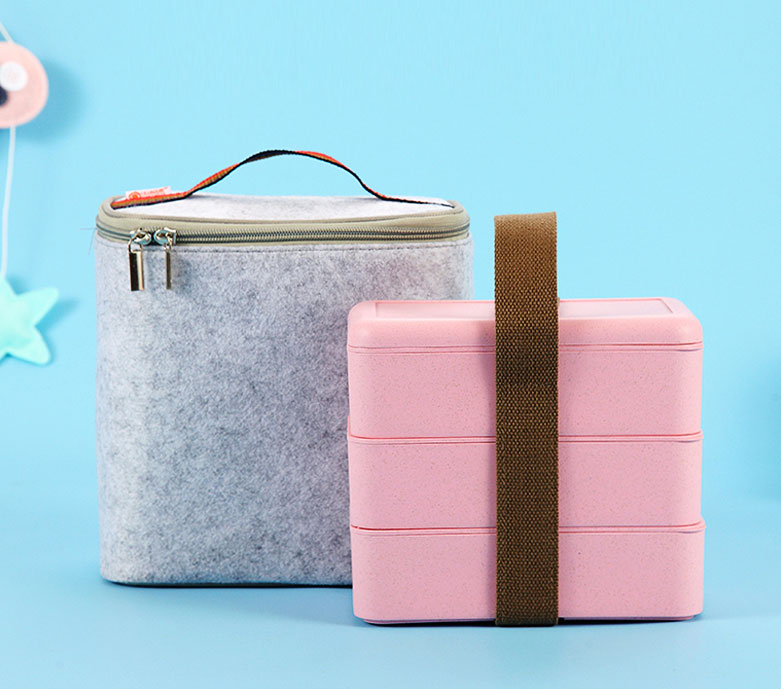 boite a bento avec sac isotherme et couverts