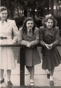 Shirley with her mother and Patsy at Sewerby Hall 1948