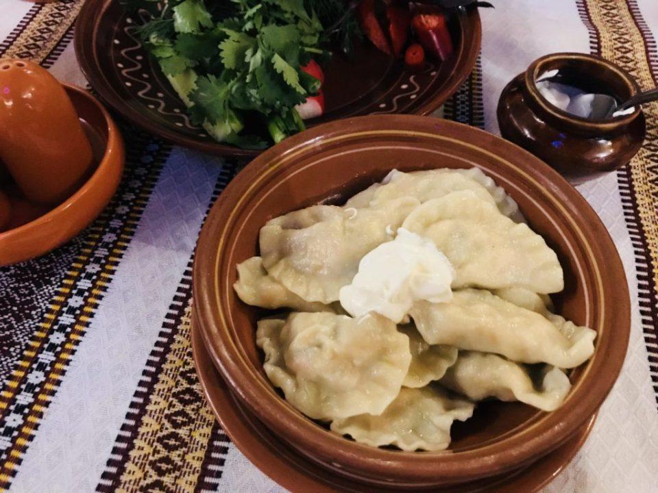 Wareniki in Taras Bulba - ein Muss für russische Retsaurants in Moskau