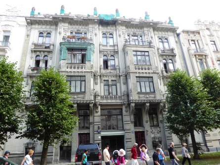 Art Nouveau buildings are offices and residences today