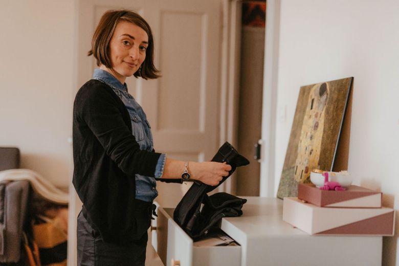 Moi c'est Laurie, je suis éco-designer textile & Styliste. J'ai créé un Trésor dans mon placard, un lieu dédié à la mode circulaire.
