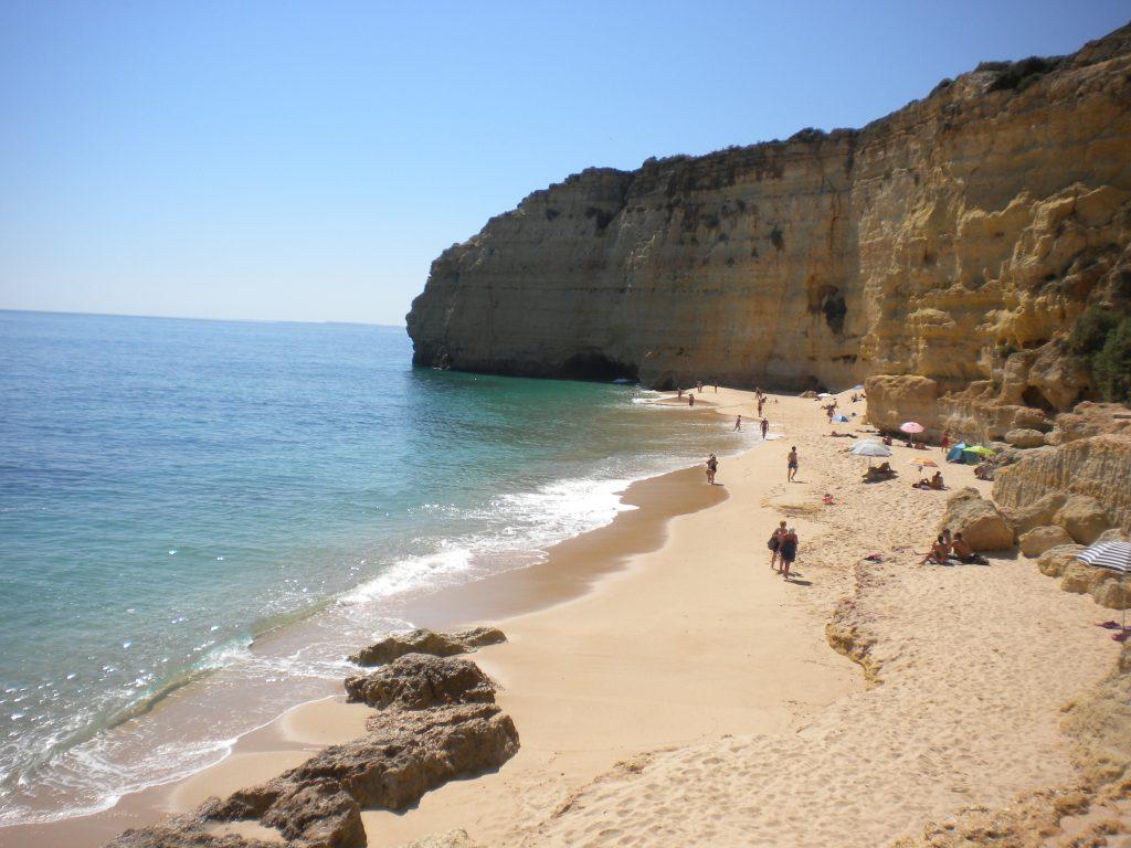 praia-do-vale-de-centeanes