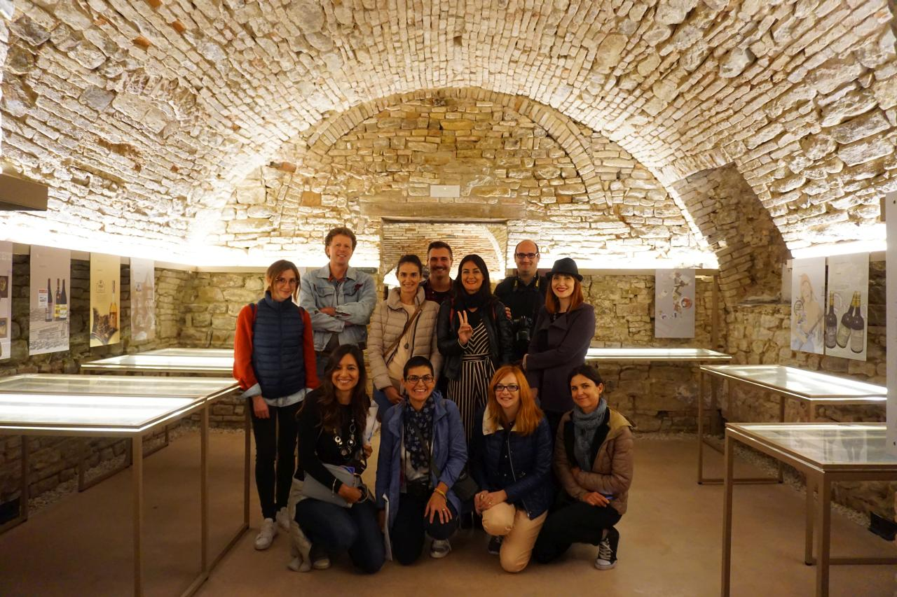 cupramontana-musei-in-grotta-foto-di-gruppo