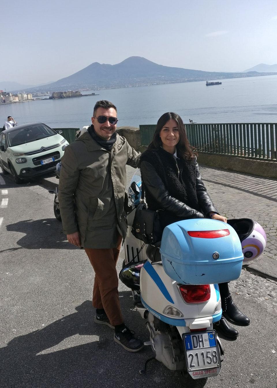 Napoli in Vespa: la nostra pazza giornata su due ruote!