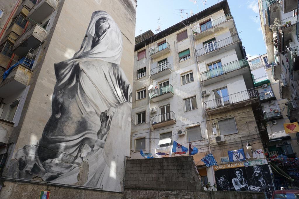 Napoli street art Bosoletti