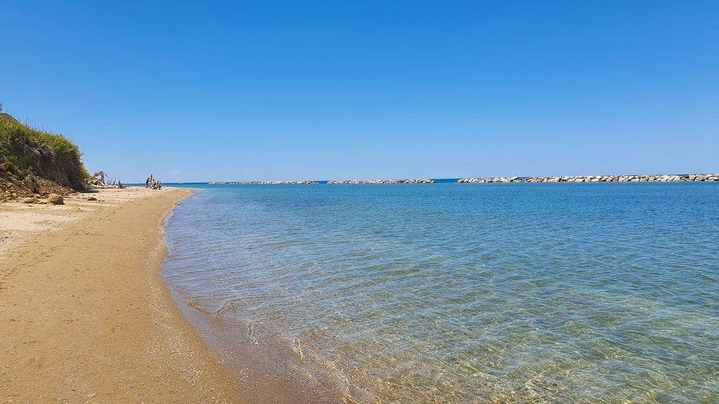 spiaggia fiorenzuola di focara