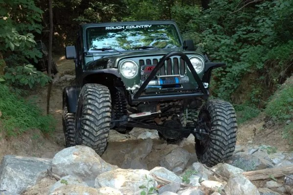 jeep dengan suspensi rough country