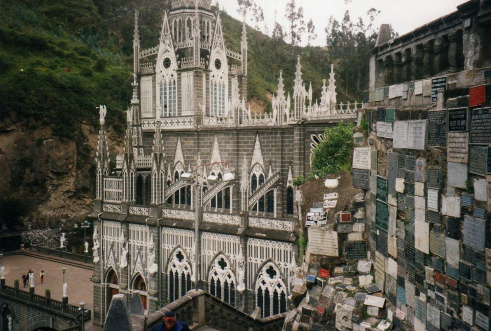 las-lajas-sanctuary-2