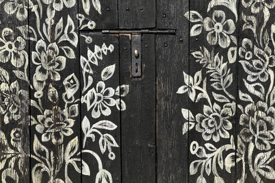 zalipie_poland_painted_village_flowers_18