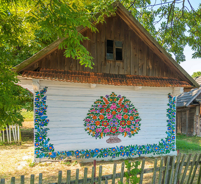 zalipie_poland_painted_village_flowers_3