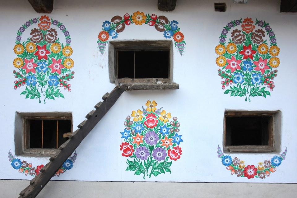 zalipie_poland_painted_village_flowers_8