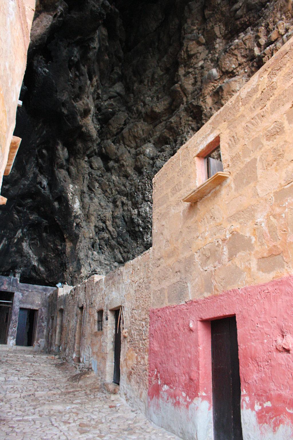 من10الاف Grotta_Mangiapane12.jpg?w=1024&ssl=1