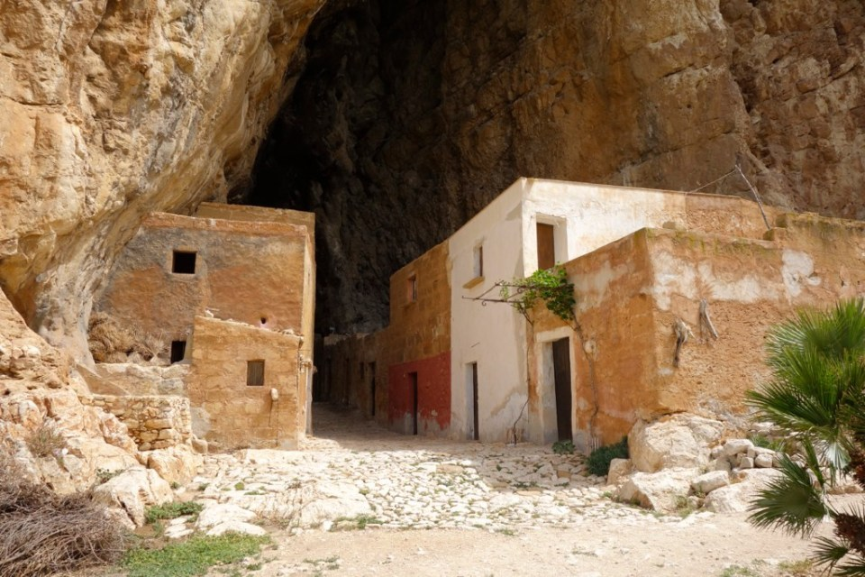 Grotta_Mangiapane3