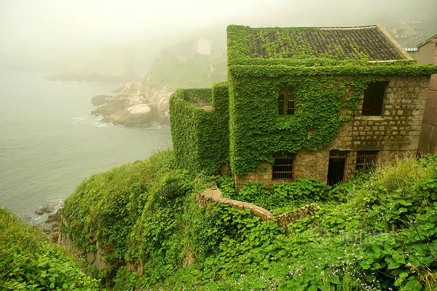 abandoned-village-zhoushan-china-3