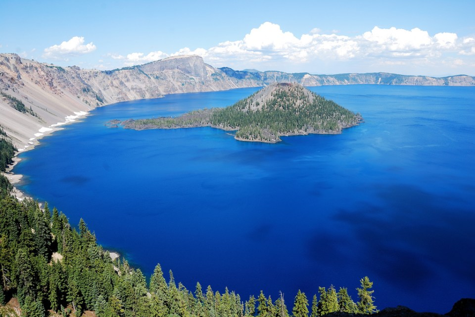 Crater Lake, Oregon Photo by worldofarun/Flickr