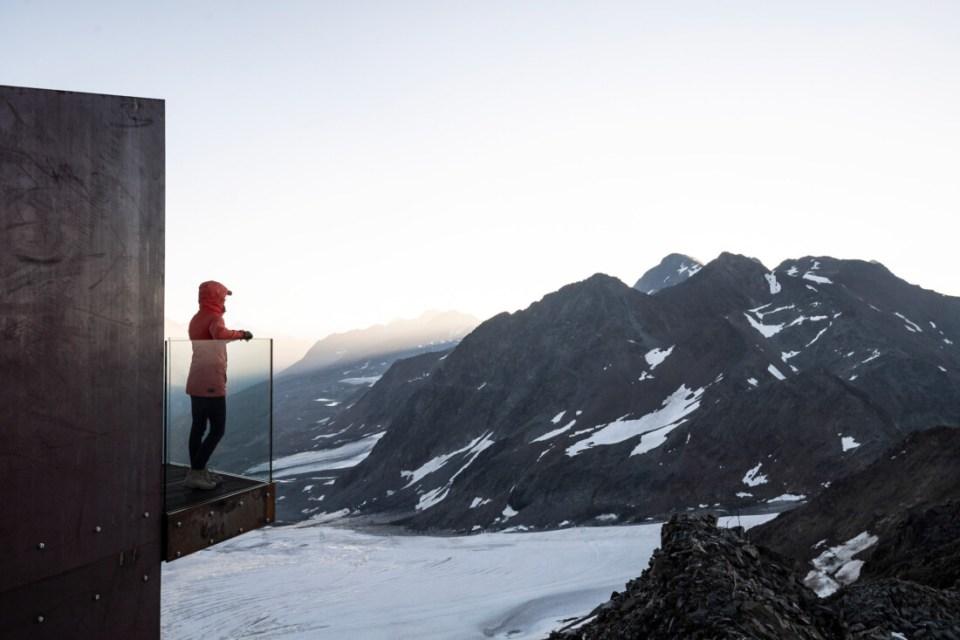 Ötzi Peak platform