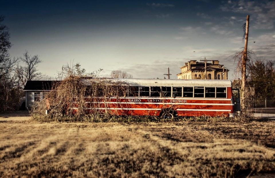 Каирский баптистский церковный автобус