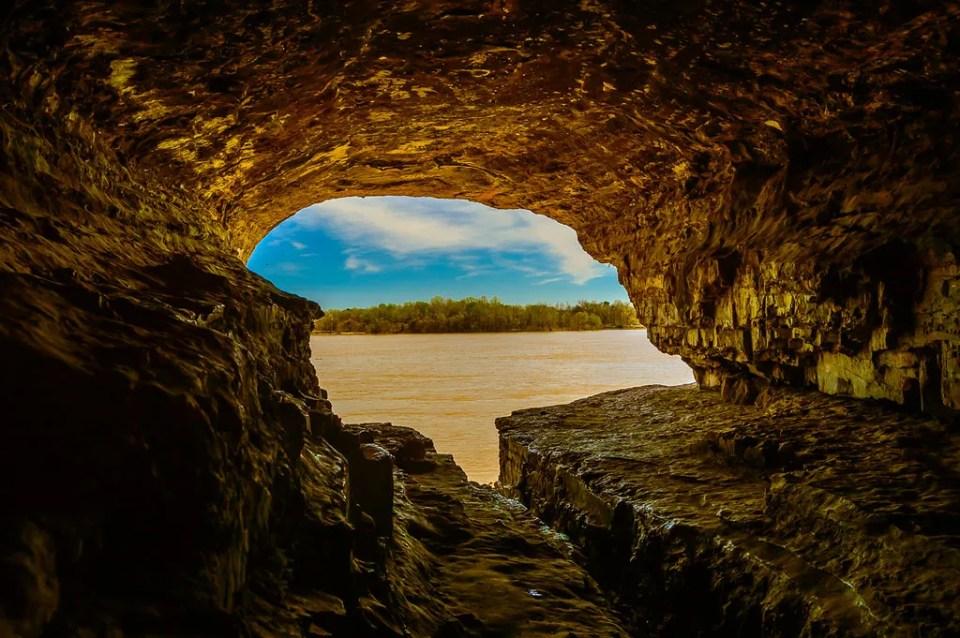 Inside Cave In Rock