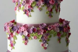 Dainty Cake with Violet Flowers