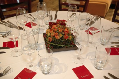 Table centerpiece and setting