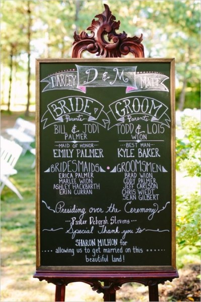 hints of pink on this ceremony sign